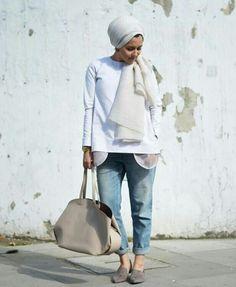 30 Modern and Stylish Hijab Wrap Ideas for Women with Oval Faces Islamic Fashion, Muslim Fashion, Modest Fashion, Modest Wear, Modest Outfits, Casual Outfits, Summer Outfits, Mode Turban, Turban Hijab