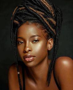 Dark Skin Beauty, Hair Beauty, Black Beauty, Beauty Tips, Hair Color Trend, Curly Hair Styles, Natural Hair Styles, Brown Skin Girls, Brown Girl