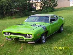 1971 Plymouth Roadrunner 440.  A friend of mine in college drove one of these!