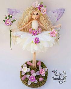 Summer Crafts, Fun Crafts, Arts And Crafts, Christmas Angels, Christmas Crafts, Fairy Clothes, Clothespin Dolls, Fairy Princesses, Tiny Dolls