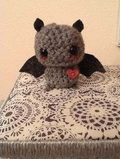 My friend admired this type of bat that is made by twistyfishies on etsy so I grabbed the hook and made one.