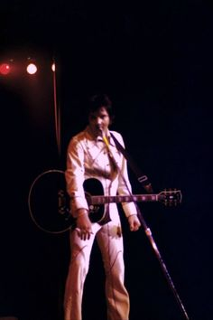 Elvis live at the Hilton in august 29 1974.