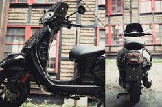 Black Pearl - Roller & MotorradBox Stuttgart - Vespa GTS 300 i.e. ABS Vintage Vespa, Vespa Gts 300, New Vespa, 300 Abs, Vespa Scooters, Golf Bags, Racing, Motorcycle, Bike
