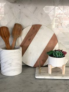 Kitchen Countertop Decor How to decorate your kitchen like a pro Kitchen Counter Decor #kitchendecor #countertopdecor #counterdecor #kitchencountertopdecor