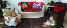 sillones y sofa hechos con material reciclado http://blog.detallefemenino.com/2015/02/diy-sillones-con-latas.html