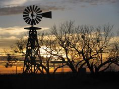 """West Texas - I love West Texas scenes, looks like """"real"""" Texas! Farm Windmill, Texas Sunset, Old Windmills, West Texas, Country Life, Amish Country, Water Tower, Old Barns, Le Moulin"""