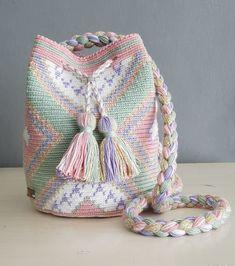 Made Byloko Tapestry Bag, Tapestry Crochet, Modern Crochet, Love Crochet, Knit Crochet, Diy Crochet Patterns, Weaving Art, Knitted Bags, Blouse Patterns