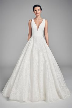 couture wedding dresses and bridal gowns by award winning UK bridal designer Suzanne Neville in her Flores 2020 Collection - Swan Lace Wedding Dresses Uk, Wedding Dress Trends, Designer Wedding Dresses, Bridal Dresses, Wedding Ideas, Wedding Outfits, Wedding Planning, Wedding Inspiration, Stunning Dresses
