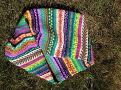 Perfect project for the KM. Use up lots of ends of colors, pattern like crazy! machknit fairisle colorwork  Ravelry: TheresaDave's Vogue Möbius Cowl