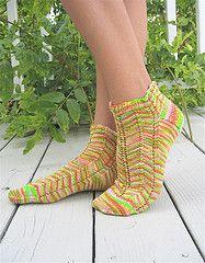 Nasturtium Socks by Kirsten Kapur - free