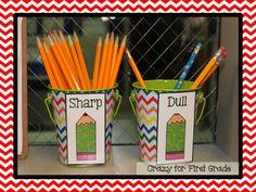 Pencil Cups Crazy for First Grade: Classroom Reveal {w/ LOTS of freebies} Classroom Labels, Classroom Organisation, Teacher Organization, Classroom Management, Organizing, First Grade Classroom, New Classroom, Classroom Setup, Beginning Of The School Year