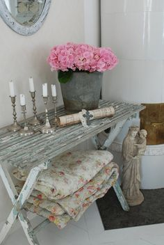 Pink and Gray vintage.  My mom has always loved this color combination.  I do too!