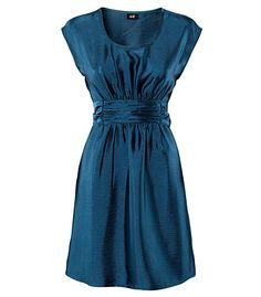 Such a nice dress! Dress it down with brown cowboy boots or dress it up with some pumps!