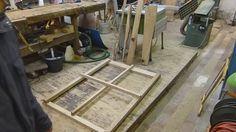Die Herstellung eines feststehenden Sprossenfensters ist für einen versierten Handwerker auch ohne Tischfräse möglich. Da bereits die meisten Sprossenfenster...