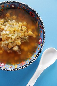 Gluten free, organic, and low-fat? Yes please! This delicious Vegetarian Fiesta Soup is packed with nutrients. All you need to make it is spicy fiesta soup. #VegetarianSoup #GlutenFree #SoupRecipe #EasySoup Vegetarian Soup, Vegetarian Recipes, Easy Delicious Recipes, Yummy Food, Soup Mixes, Chana Masala, Glutenfree, Holiday Recipes, Soup Recipes