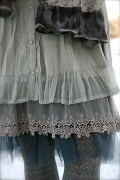 girlyme:    (via Fashioning & ReFashioning for DYT T2 / layers)