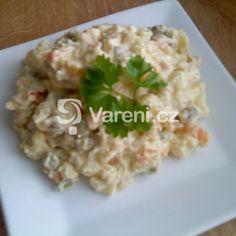 Německý bramborový salát s cibulí recept - Vareni.cz Risotto, Grains, Meat, Chicken, Ethnic Recipes, Food, Essen, Meals, Seeds