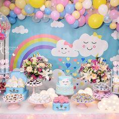 "Lucilene Araujo on Instagram: ""Gente! tá  chovendo  amor #festachuvadeamor#festamenina#juliafez1"" • Instagram Rainbow Parties, Rainbow Theme, Twin Birthday Parties, Birthday Cake, Rain Baby Showers, Cloud Party, Baby Shawer, Ideas Para Fiestas, Cake Smash"