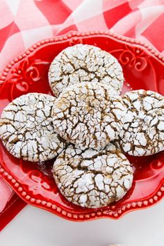 Making these Gingerbread Crinkle Cookies will instantly send a message that you've taken your cookie game to the next level this holiday. Frozen Cookie Dough, Frozen Cookies, Crinkle Cookies, No Bake Cookies, Cookie Games, My Favorite Food, Favorite Recipes, Easy Summer Desserts, Those Recipe