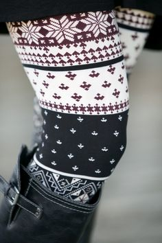 Find the latest tribal print leggings and aztec leggings at White Plum. Complete your bohemian look with tribal print leggings in eyecatching colors. Warm Outfits, Comfortable Outfits, Casual Outfits, Cute Outfits, Winter Outfits, Fall Maternity Outfits, Printed Leggings, Latest Fashion For Women, Autumn Winter Fashion