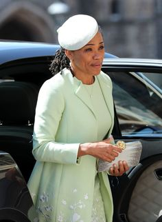 Meghan Markle, Duchess of Sussex, paid Princess Diana a special sartorial tribute in the form of an aquamarine ring. Meghan Markle Mom, Meghan Markle Wedding, Harry And Meghan Wedding, Harry Wedding, Prince Wedding, Wedding People, Royal Wedding Guests Outfits, Royal Weddings, Meghan Markle Prince Harry