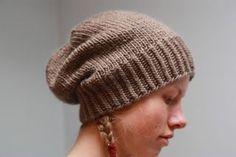 Utrolig enkel og fin hatt - Lilly is Love Easy Crochet, Free Crochet, Knit Crochet, Sweater Knitting Patterns, Crochet Patterns, Knitted Hats Kids, Crochet Bikini Top, Knit Picks, Cool Hats