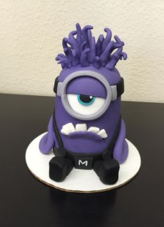 Jill's Purple Minion cake