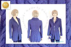 *11016*  Dit vest hangt in de winkel en is gemaakt volgens een patroon van Drops:BLUEBIRD deze variant heeft extra kabels op de mouwen en een andere manchet. http://www.garnstudio.com/lang/nl/visoppskrift.php?d_nr=134&d_id=1