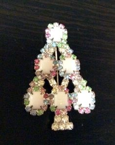Vintage+Signed+RON+Silvertone+White+Christmas+Tree+Pin+Brooch+EUC++#RON