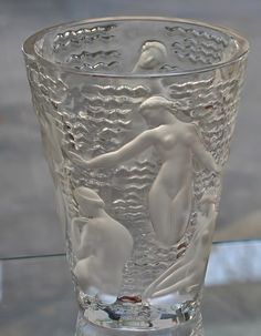 lalique-tumbler-nudes-in-water-437x562