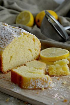 plum cake al limone da provare.recipe to try for a lemon plumcake with oil Lemon Recipes, Sweet Recipes, Cake Recipes, Dessert Recipes, My Favorite Food, Favorite Recipes, Plum Cake, Delicious Desserts, Yummy Food