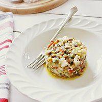 Do bułeczki z masłem najlepszy tatar ze śledzia Appetizer Salads, Appetizers, Pancakes, Eggs, Fish, Impreza, Cooking, Breakfast, Kitchen