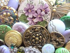 Vintage buttons via Button, button, who's got the button | Pinter…)