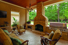 Indoor/Outdoor perfection with Arriscraft Cumberland Savannah and Honey Spice Brick.