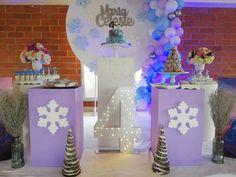 """10 Me gusta, 0 comentarios - PoshDecoBox (@poshdecobox) en Instagram: """"Maria Celeste celebró su cumpleaños 4. Escogió Frozen  porque ama sentirse como una princesa. . . .…"""" Baby Shower, Frozen, Children, Cake, Instagram, Christening, Princess, Events, Weddings"""