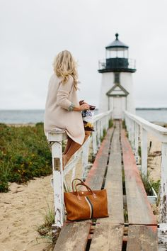Brant Point Lighthouse Picnic on Nantucket — Abby Capalbo New England Fall, New England Travel, New England Style, Cape Cod Potato Chips, Brant Point Lighthouse, Nantucket Style Homes, Coastal Style, Cape Cod Beaches, Cape Cod Style