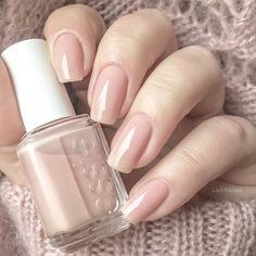 Wedding Nails swatch essie not just a pretty face Essie Nail Polish, Nail Polish Colors, Swatch, Diy Nails, Swag Nails, Nagellack Design, Nude Nails, Perfect Nails, Manicure And Pedicure
