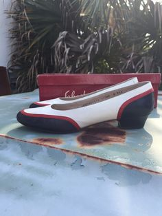Great vintage ferragamo shoes size 8. Only a little bit of visible wear, very good condition.