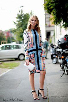 #mariakolosova #dress #robe #colors #couleurs #fashion #color #chic #women #style #look #minaudiere #outfit #streetchic #streetfashion #streetstyle #street #minibag #women #mode #milan #moda by #sophiemhabille