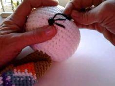 Como bordar las pestañas a nuestros amigurumis - YouTube