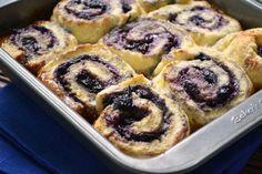 Saskatoon Berry & Honey Sticky Biscuits - Dinner With Julie Saskatoon Recipes, Saskatoon Berry Recipe, No Bake Treats, Yummy Treats, Sweet Treats, Yummy Food, Baking Recipes, Dessert Recipes, Desserts