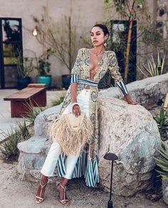 Floral Print Striped patchwork V neck Beach Dress Boho Cardigan Viva Luxury, Luxury Lifestyle Fashion, Beach Kimono, Ootd, Trends, Dress Picture, Mode Inspiration, Pulls, Boho Dress
