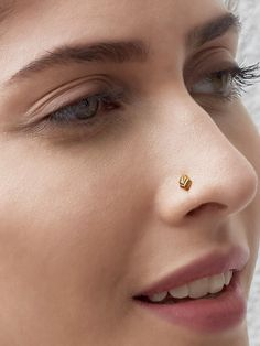 So pretty: Gold plated silver crescent moon Nose Pin / Nose Ring @ aprox Rs 700 - 1200 @ theloom. Nose Pin Indian, Indian Nose Ring, Indian Eyes, Nose Ring Jewelry, Nose Piercing Jewelry, Nose Piercings, Indian Jewelry, Silver Jewelry, Gold Jewellery