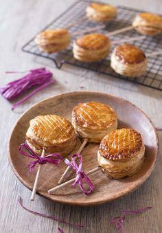 Pie pops aux pommes (mini galettes) Mini Tartes Aux Pommes, Galette Des Rois