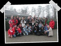 1981 - Start van het puppy- en pleeggezinnenprogramma: de eerste negen pups worden bij pleeggezinnen geplaatst.