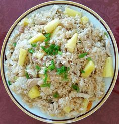 This Pineapple Chicken Fried Rice puts a tropical spin on a classic dish! by Recipes Healthy Dishes, Healthy Chicken Recipes, Healthy Meals, Healthy Eating, Coconut Fried Rice, Coconut Oil, Entree Recipes, Cooking Recipes, Dinner Recipes