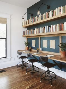 The Ramsey House from Fixer Upper home office. Beautiful bookshelves The Ramsey House from Fixer Upper home office. Mesa Home Office, Diy Office Desk, Home Office Space, Home Office Desks, Office Ideas, Study Office, Kids Office, Family Office, Office Nook