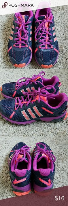 Adidas Athletic Shoes Excellent used condition Adidas Shoes Athletic Shoes