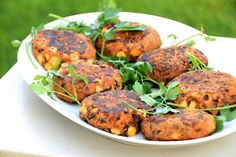The Best Vegan Burgers: Sweet Potato Black bean burgers are the ultimate comfort food they're super easy to make! Vegetarian Recipes, Cooking Recipes, Healthy Recipes, Healthy Meals, Free Recipes, Black Bean Burgers, Clean Eating, Healthy Eating, Vegan Burgers