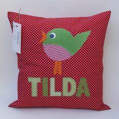 Kissen mit Namen und Vogel, Namenskissen von StoffRocker auf DaWanda.com